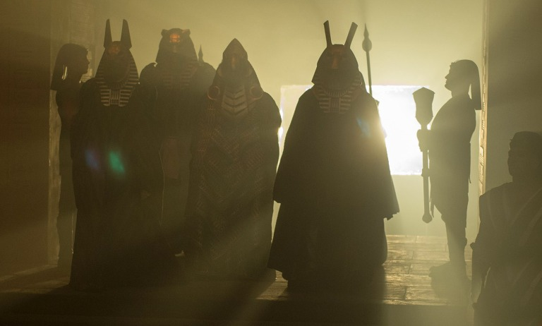 bryan-singer-responds-on-x-men-trailer-backlash-plus-new-apocalypse-photos-8